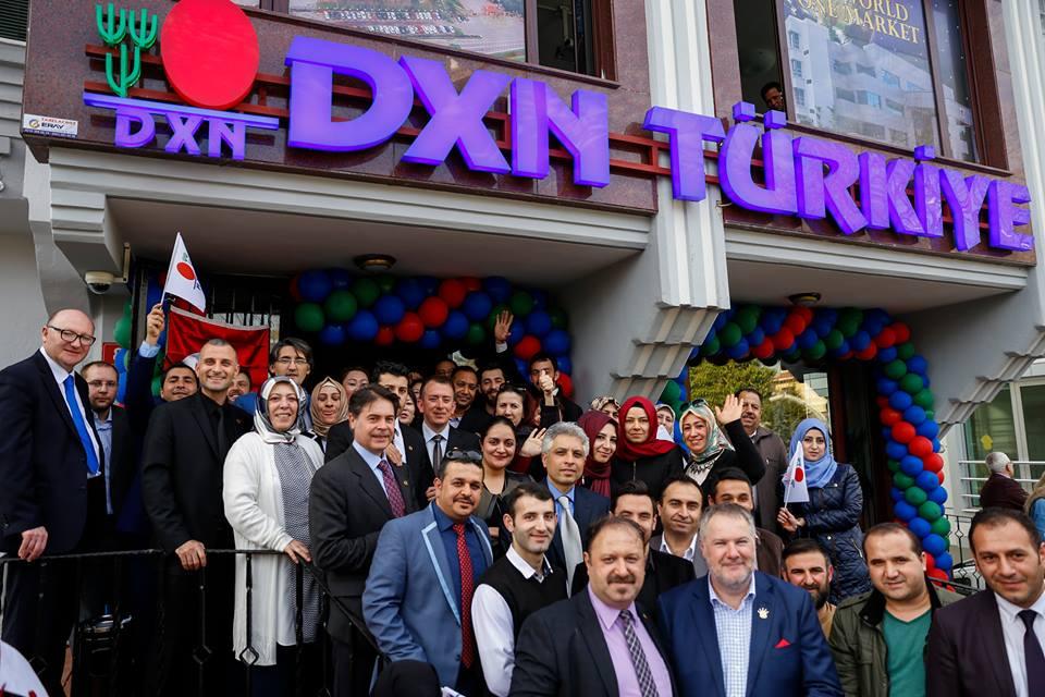 A törk DXN iroda megnyitóján